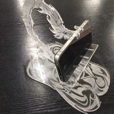 ドラゴンiPhoneスタンド!