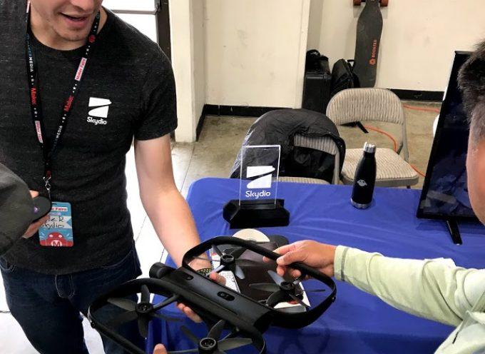 13個のカメラを搭載したAIが判断して自動操縦で飛ぶドローン「Skydio」とは?