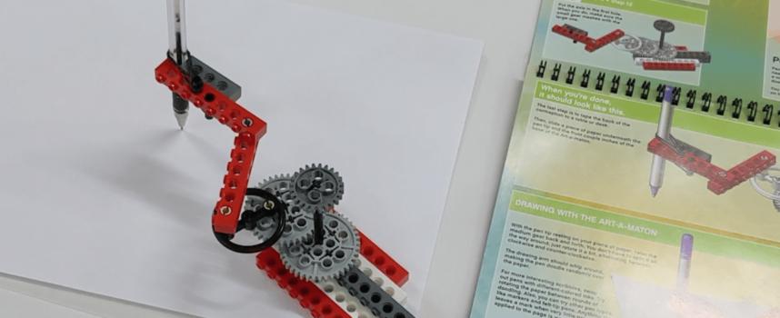 LEGOでギアを回してランダムな図形を書く装置!LEGO Crazy Action Contraptions 05 Art-A-Maton