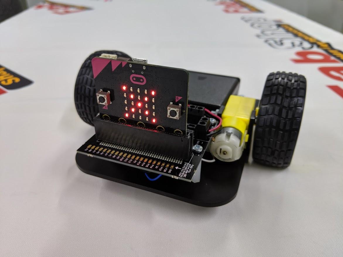 micrbitを使って簡単プログラミング!リモートコントロールバギーを作る!